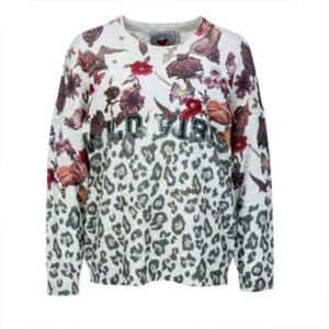 Pullover with animal print